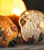 Bakewise Raisin Walnut Cranberry Pan Roll